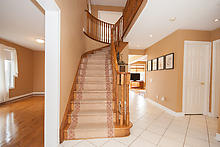 Photo: Foyer / Staircase