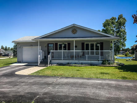 2 St James Place Wasaga Beach ON L9Z 3A8 Canada