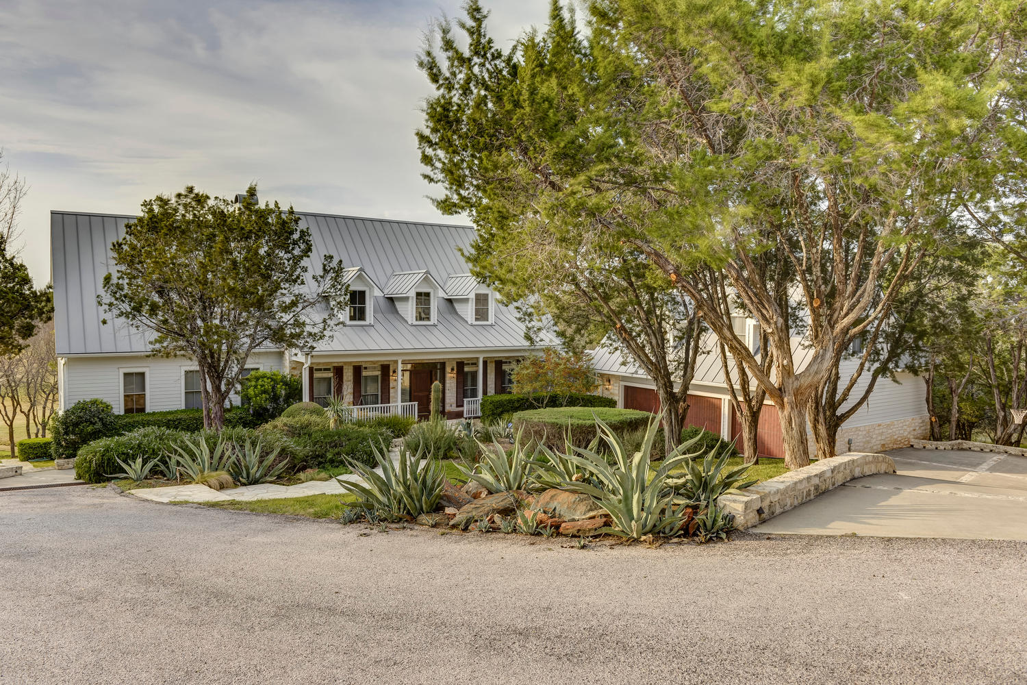 Custom Golf Course Home with Guest Quarters in Horseshoe Bay ...
