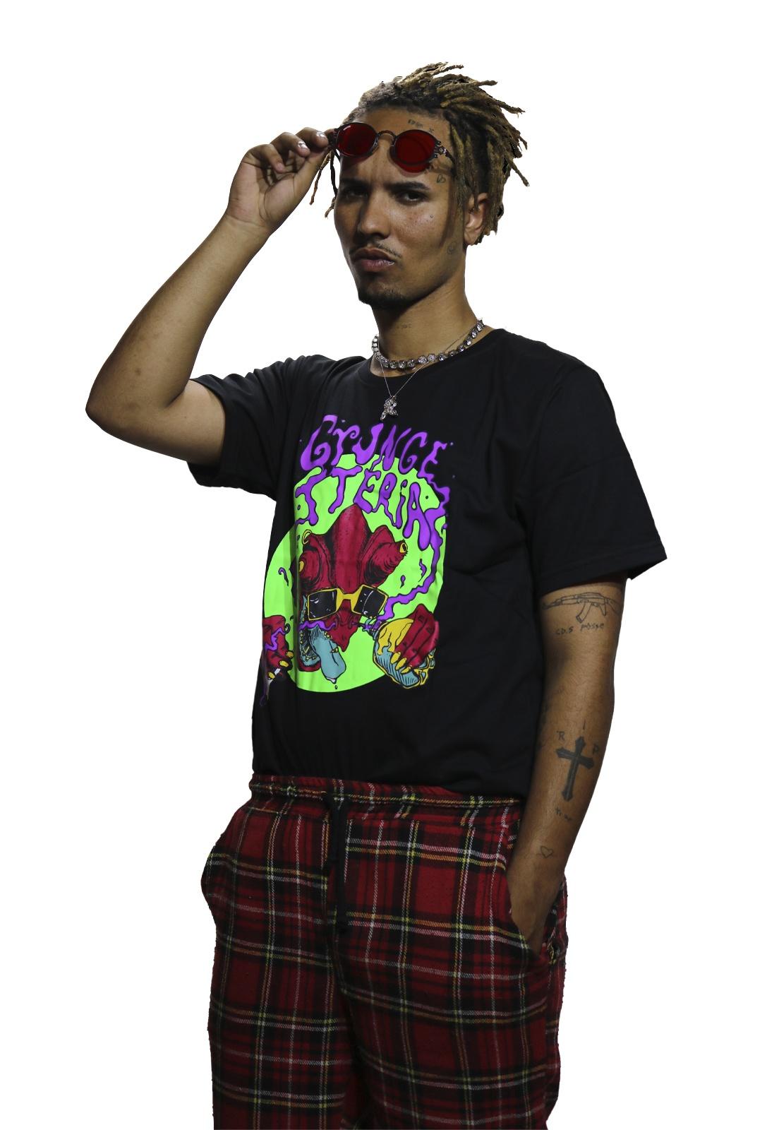 Camiseta Grungetteria Camaleão Preta
