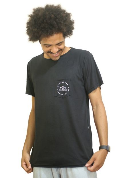 Camiseta Outstanding Lifestyle Bolso Authentic Preto