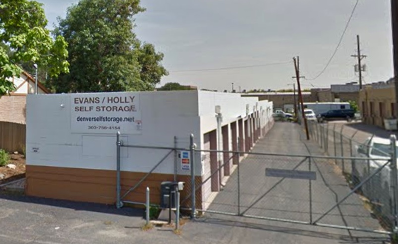 Evans Holly Self Storage entrance