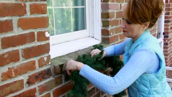 Video How To Hang Christmas Garland On Brick Ehow