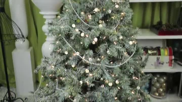 Decorating A Flocked Christmas Tree