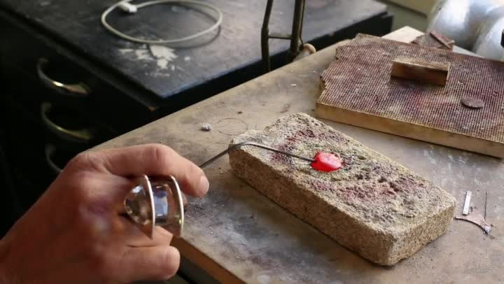 Video: How To Melt Silver Rings To Make A New Ring