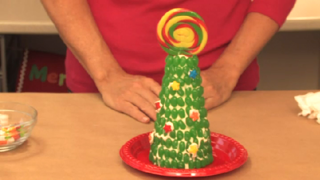 Video: Kindergarten Christmas Party Crafts | eHow