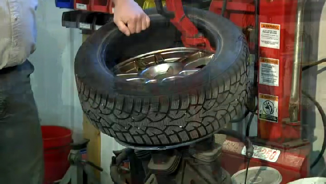 Video How To Remove A Tire From The Rim Ehow