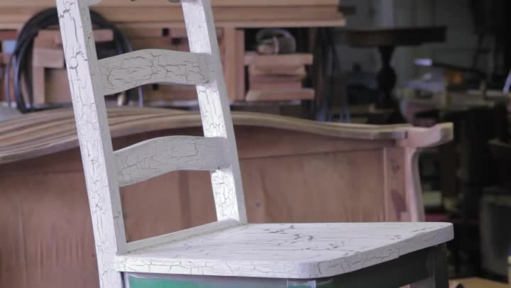 Video How To Paint Crackle Amp Distressed Furniture