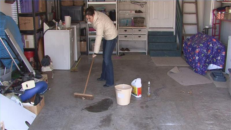 Clean garage floor gurus floor for Garage floor maintenance
