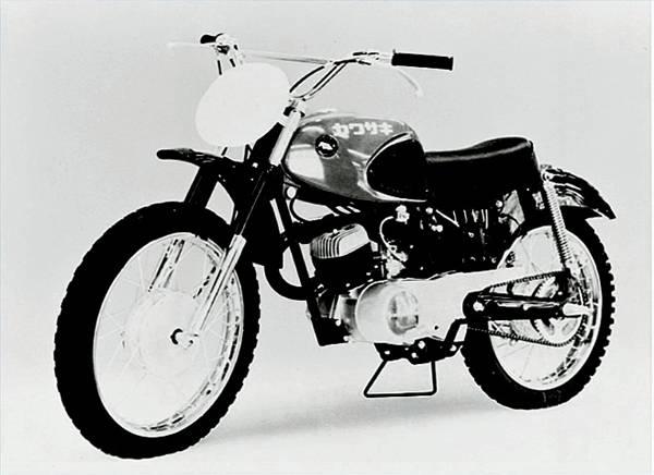 the history of kawasaki dirt bikes it still runs Kawasaki Engines EFI off road reputation