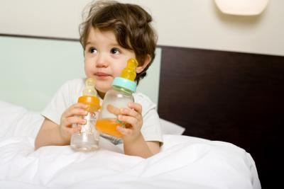 what age should a baby stop using a bottle