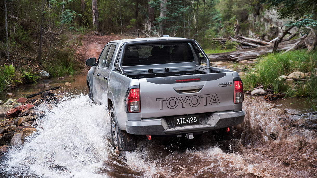 NEw Hilux Rugged X