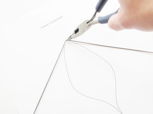 Tự chế chụp đèn hoa tuylip từ vải sợi - 2