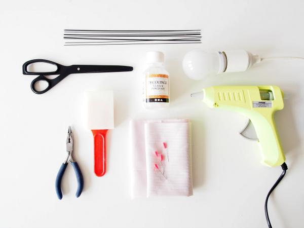 Tự chế chụp đèn hoa tuylip từ vải sợi - 1