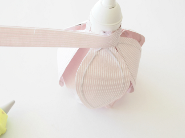 Tự chế chụp đèn hoa tuylip từ vải sợi - 16
