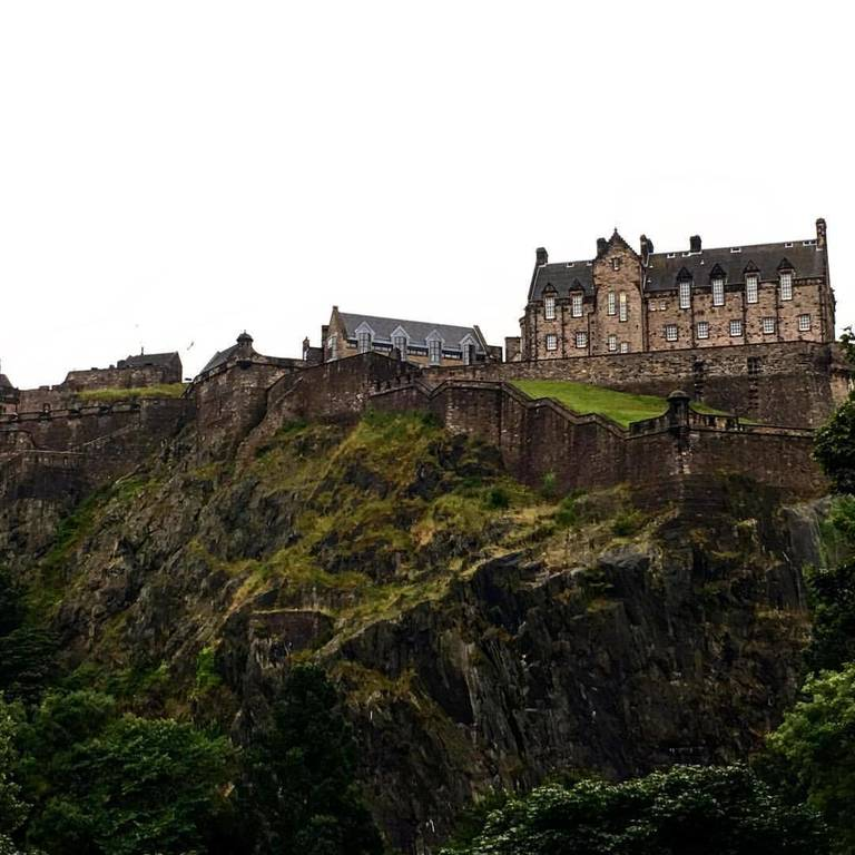 I finally made it to Scotland and it's everything I've ever imagined .... Cold wet rainy beautiful at Edinburgh Castle.