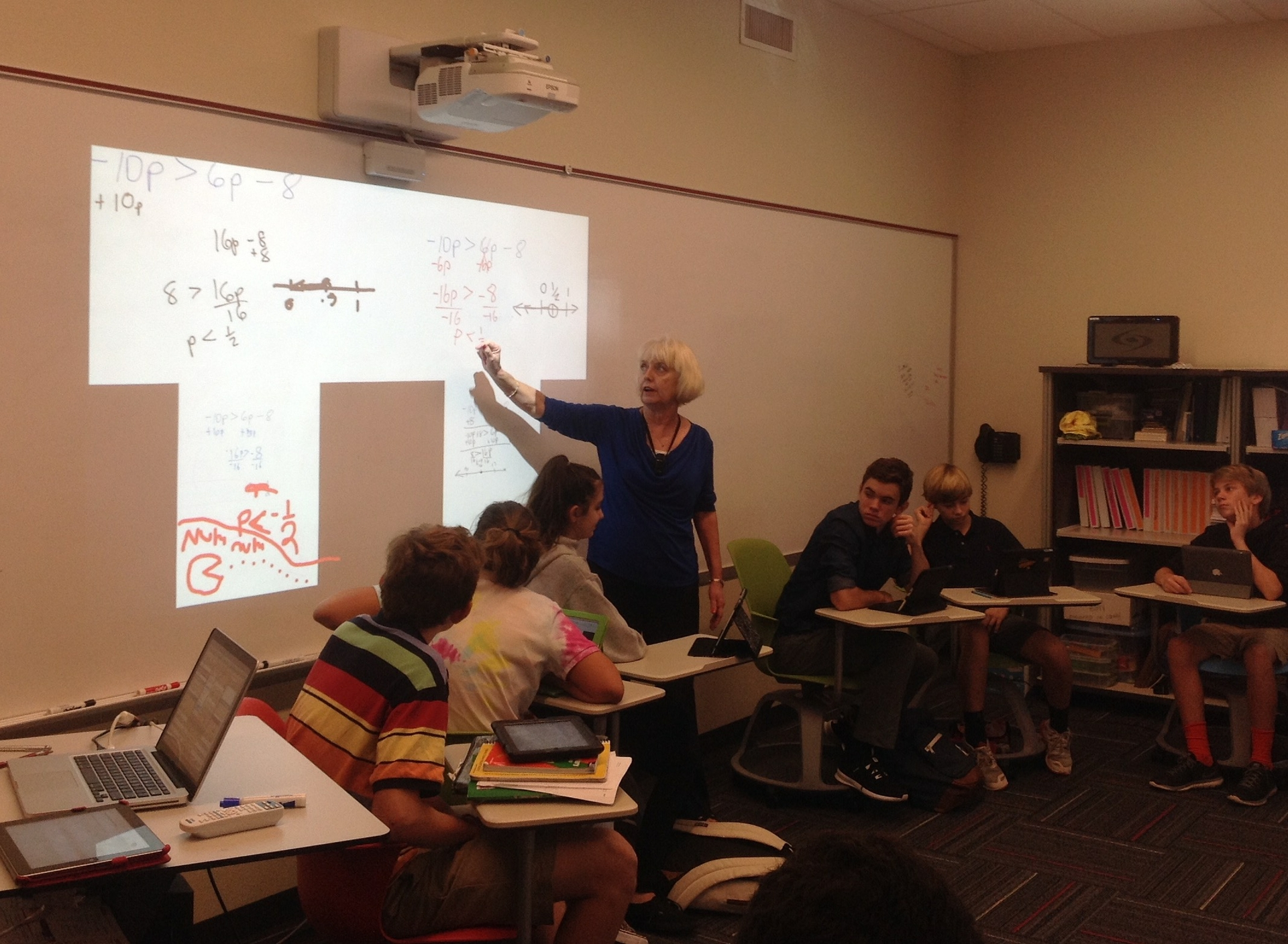 Teacher, Patricia Embry, Uses BrightLink Pro at Tampa Prep
