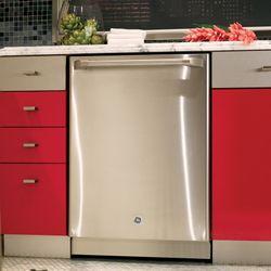 GE Cafe™ dishwasher with SmartDispense™ technology