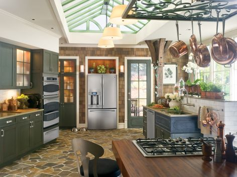 GE Profile™ kitchen with French door refrigerator (Model PFE29PSDSS)