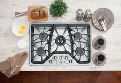GE Café™ gas cooktop (model CGP350SETSS)