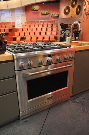 RACHAEL RAY GE Monogram® Range | GE Appliances