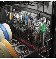 GE Profile™ and Café™ dishwashers with silverware jets