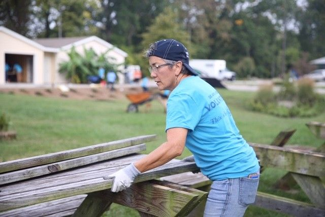 Newburg neighborhood volunteer projects