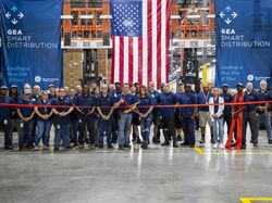 GEA Commerce Employees Ribbon Cutting