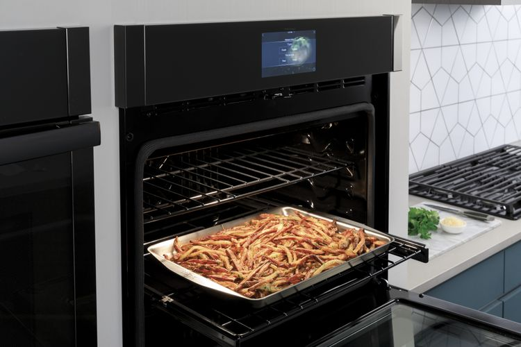 Oven with Air Fry Fries
