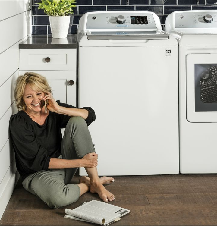 GE 4.8 cu. ft. Capacity Washer with Tide PODS Dispense Quiet Wash