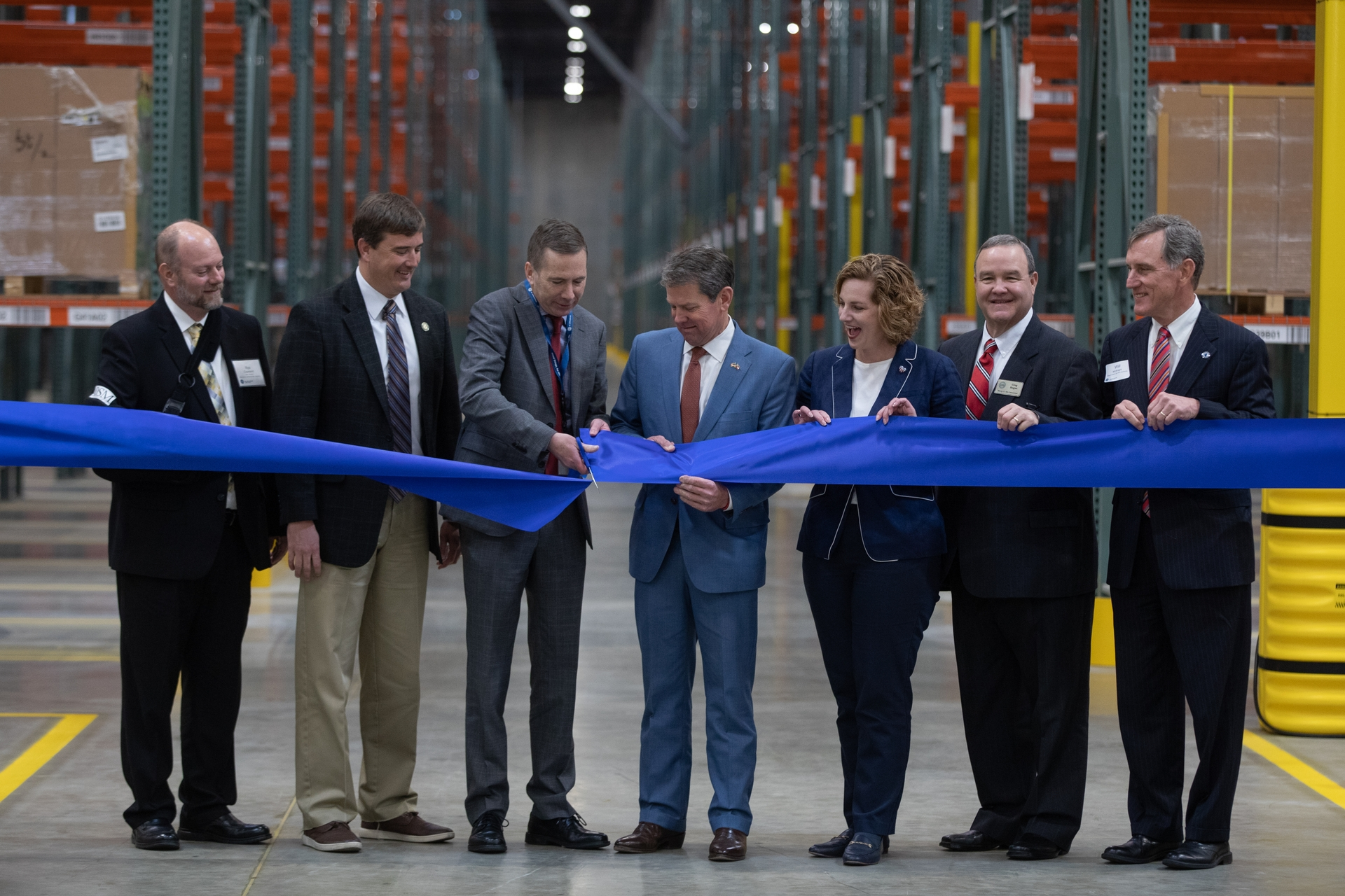 GA Gov Kemp and GEA CEO Kevin Nolan open GEA's new Southern Logistics Center