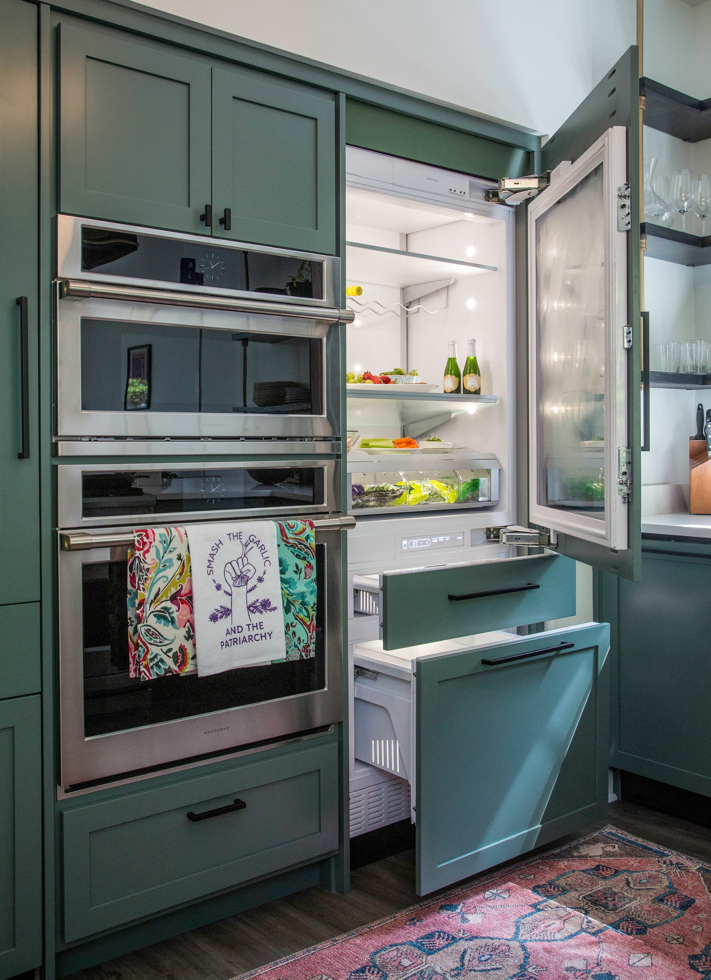 As part of the partnership, Monogram designed the kitchen layout for The LEE Initiative and donated a full suite of its latest professional appliances to be used by the visiting chefs when they are in town for instruction from Chef Edward Lee.