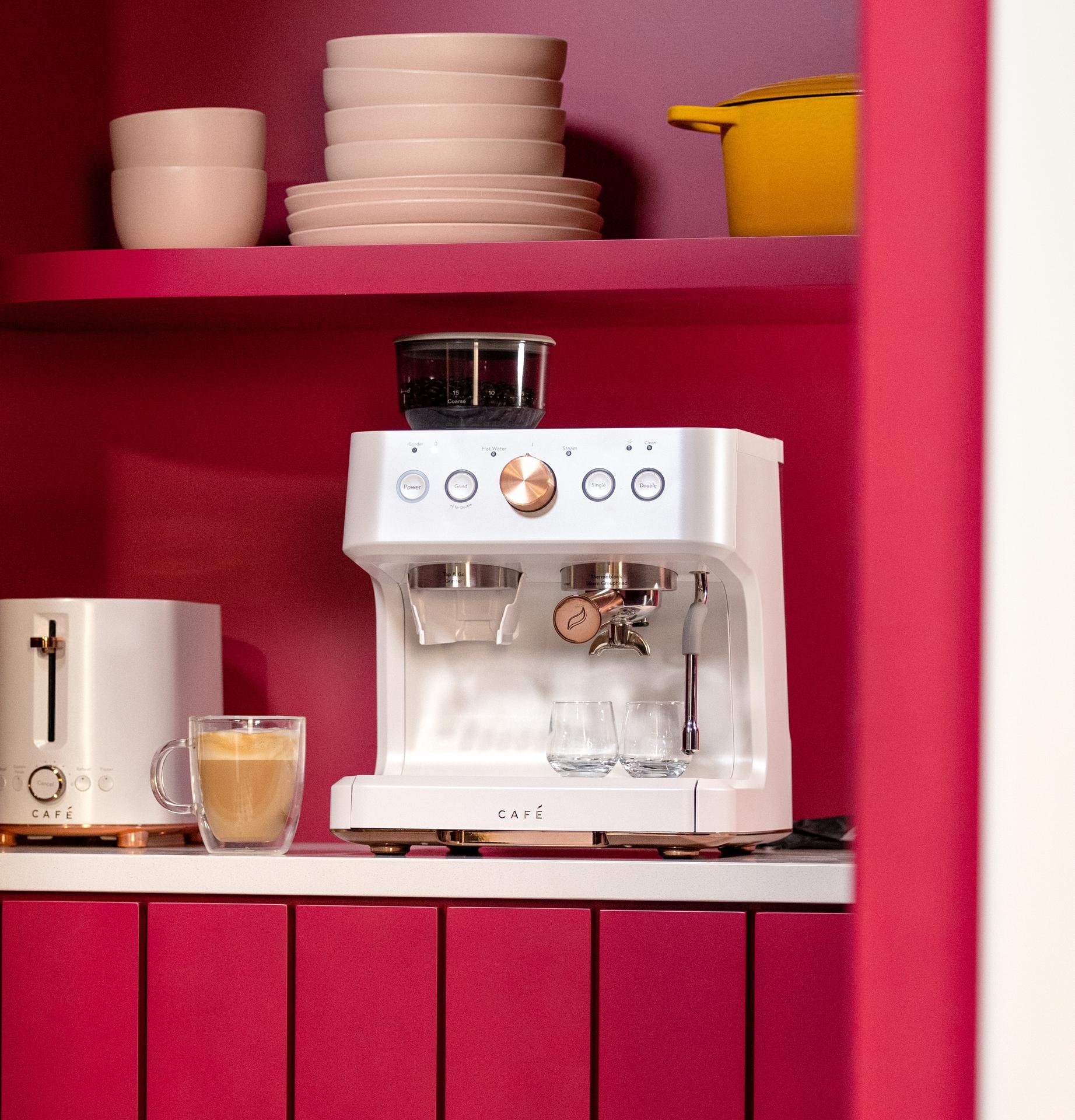 CAFÉ BELLISSIMO Espresso Maker in Matte White