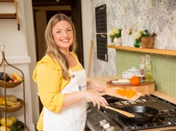 In her new role as GE Appliances brand spokesperson and ambassador, Phillips will create ongoing recipe and lifestyle content through an online series, Damaris Dishes, which will run on GE Appliances brand social and digital platforms.