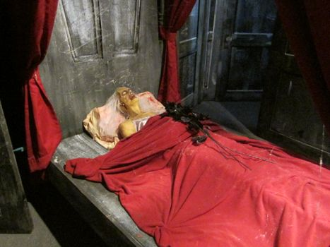 Bedroom in Haunted Mayfield Manor