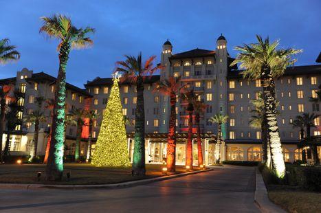 Hotel Galvez Celebrates the Holidays