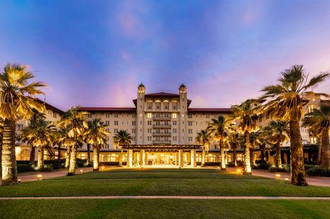 Hotel_Galvez_Exterior_Sunrise