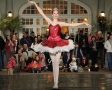 Galveston Ballet at Holiday Lighting