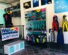 Texas Scuba Adventures opens on Mechanic Street.