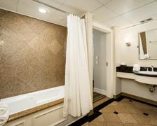 Galvez Suite_702_Bathroom