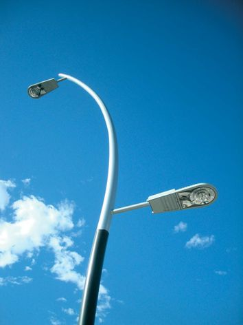 GE Evolve™ R150 LED Cobrahead luminaire
