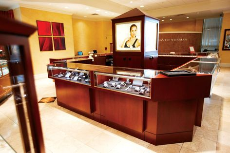 The Diamond Cellar in Dublin Ohio, utilizes Immersion® LED Display Case Lighting in its flagship store.