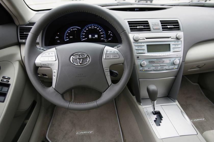 2007 Toyota Camry Hybrid 17