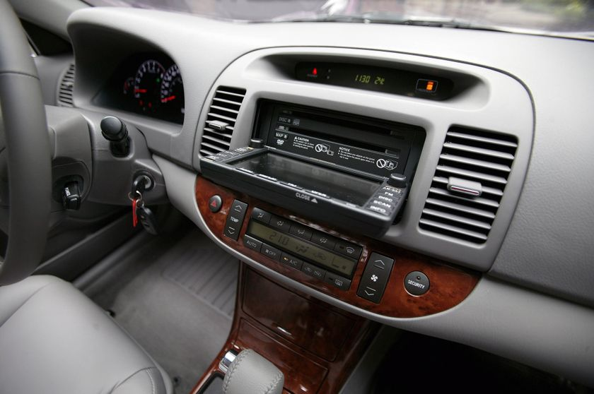 2006 Toyota Camry XLE 21