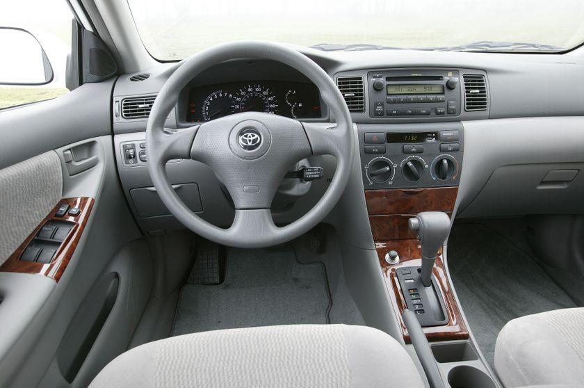 Delightful 2005 Toyota Corolla LE 45