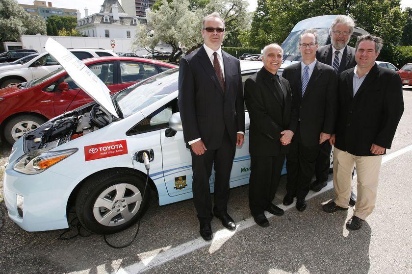 3 Toyota Prius Plug-in Hybrid in Winnipeg 3
