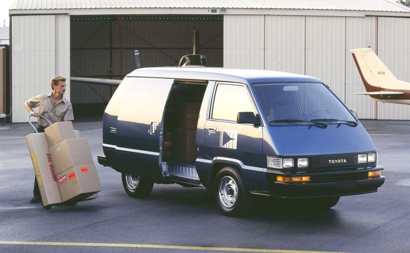 1988 Toyota Cargo Van 01