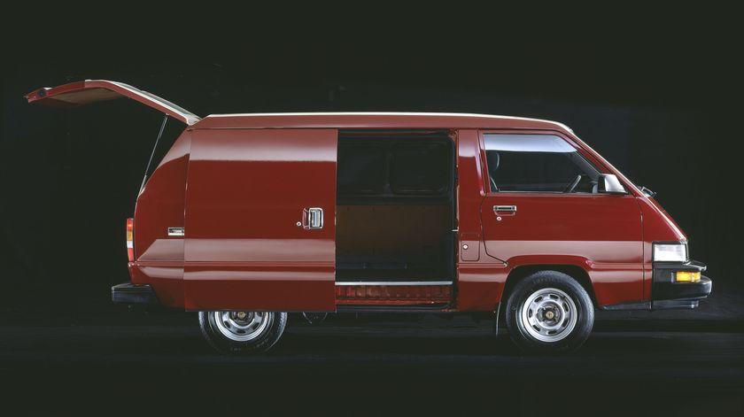 1987 Toyota Cargo Van 02