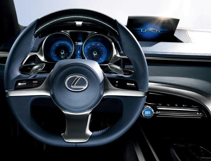 Lexus LF-Ch Concept 12