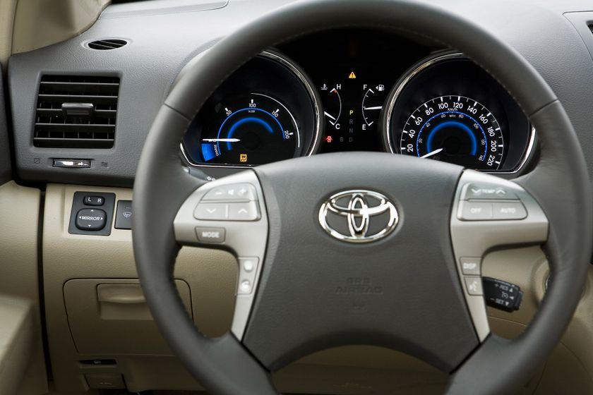 2010 Toyota Highlander Hybrid 18
